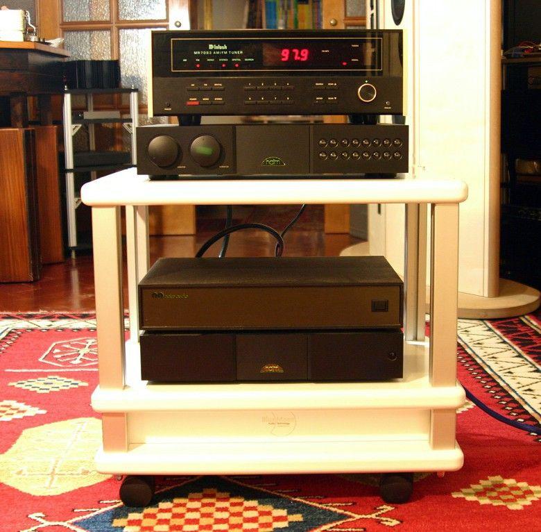 1 Audio Table IMG_3981 mod 780 pix