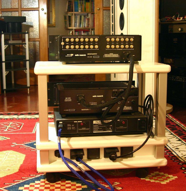 1 Audio Table IMG_4000 tagliata 780 pix