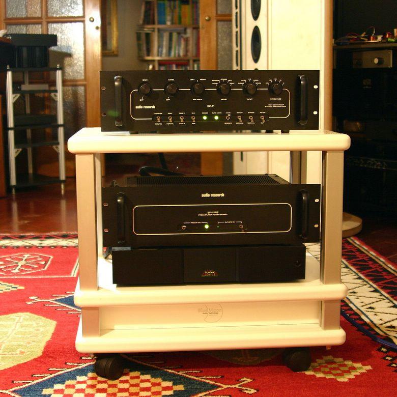 1 Audio Table IMG_4004 tagliata 780 pix
