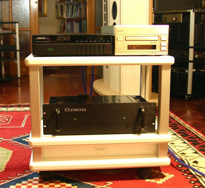 1 Audio Table IMG_4038 tagliata 780 pix