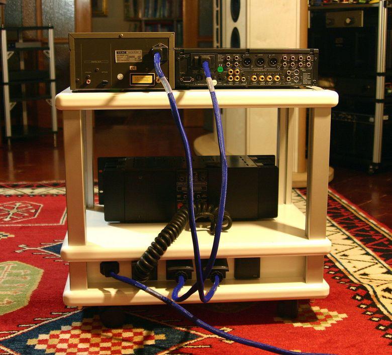 1 Audio Table IMG_4046 tagliata 780 pix