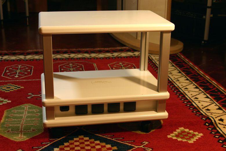 1 Audio Table IMG_4082 780 pix