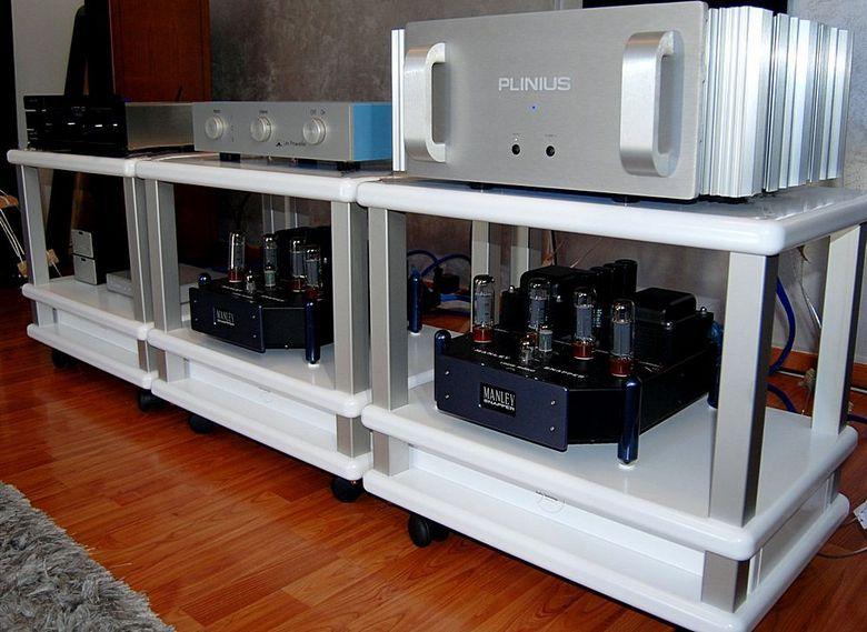 audio table s2-16 bianca 780 pix