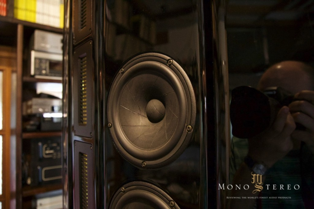 s blue_moon_ls3_speakers_review_matej_isak_2016_2017_mono_and_stereo - 50